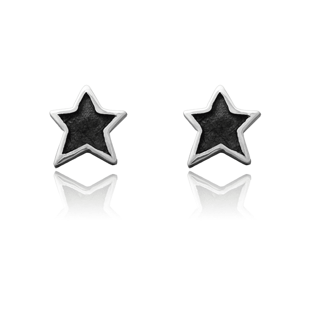 Aretes tipo topo en forma de estrella color negro